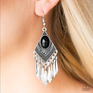 Mostly Monte Zumba Black Earrings